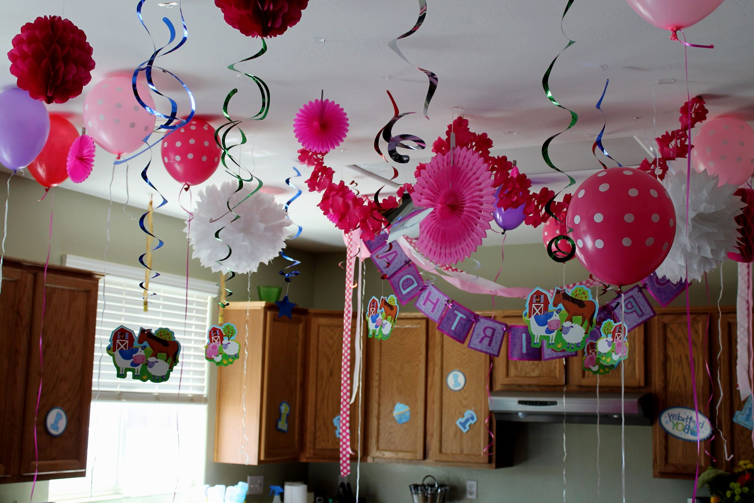 Special Decoration for Birthday through Simple Things